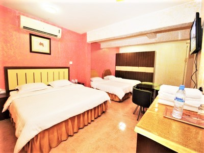 cheap rooms in sur oman sur hotel quadruple Room 21