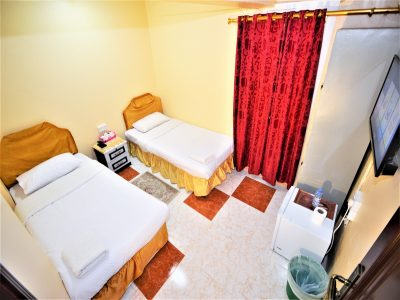 cheap Twin room shared toilet in Sur hotel in Sur Oman 2